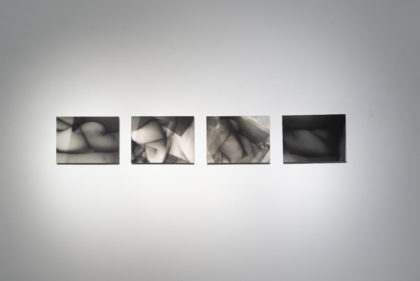 Tatiana Villani, Io nell'epoca dell'autorappresentazione digitale, ciclo Körperland, (Scatto 16 di 200, fotografia digitale b/n, stampa fineart su dibond, 29.7 x 21 cm, 2011; Scatto 103 di 200, fotografia digitale b/n, stampa fineart su dibond, 29.7 x 21 cm, 2011; Scatto 15 di 200, fotografia digitale b/n, stampa fineart su dibond, 29.7 x 21 cm, 2011; Scatto 6 di 200, fotografia digitale b/n, stampa fineart su dibond, 29.7 x 21 cm, 2011). Foto di Dania Gennai.