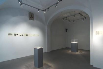 """""""Una forma di attenzione. Sabrina Mezzaqui in dialogo con Antonella Anedda"""".  Galleria Passaggi Pisa   Foto Dania Gennai"""